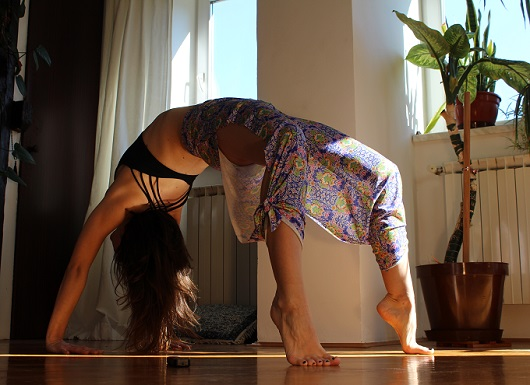Onzie Review and Giveaway - Pure Vida Lotus Pants - myfitstation